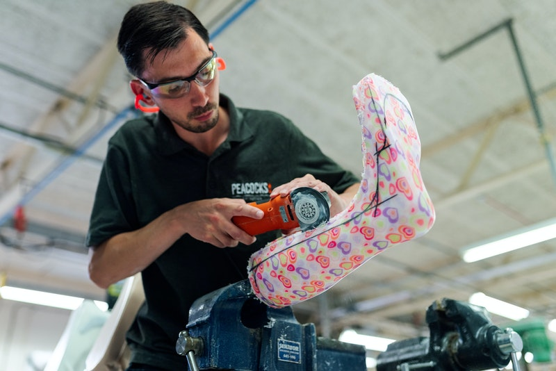 Mechanical engineer designs prosthetic limbs