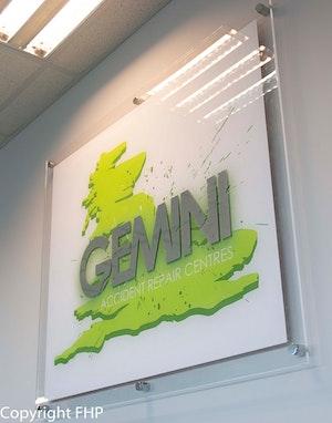 Gemini Leeds 18 2 17 33