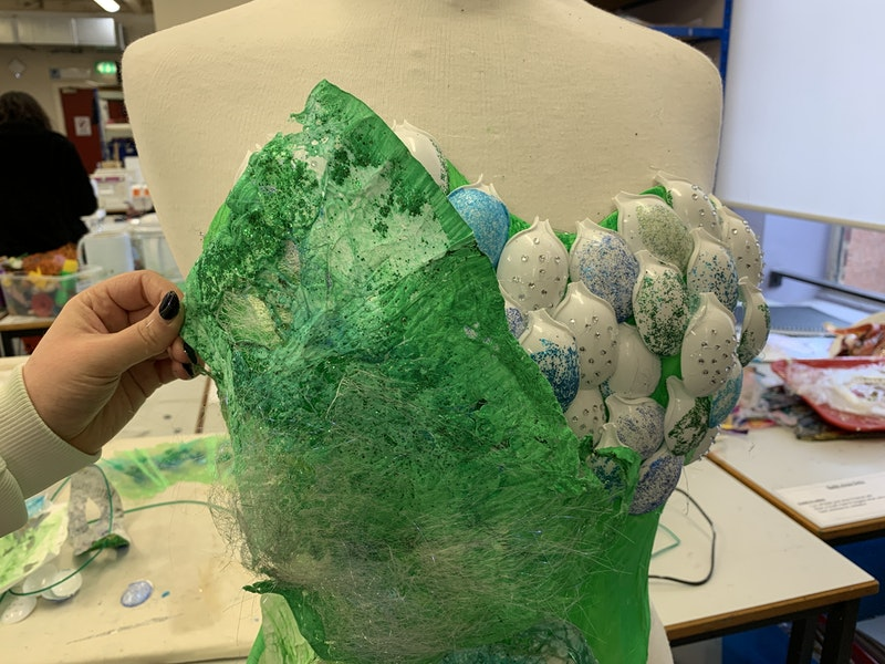 Using plastic spoons to add detail