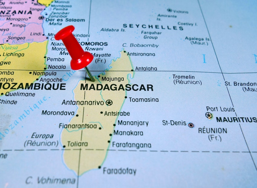 map showing Madagascar as an island between Mozambique and Mauritius
